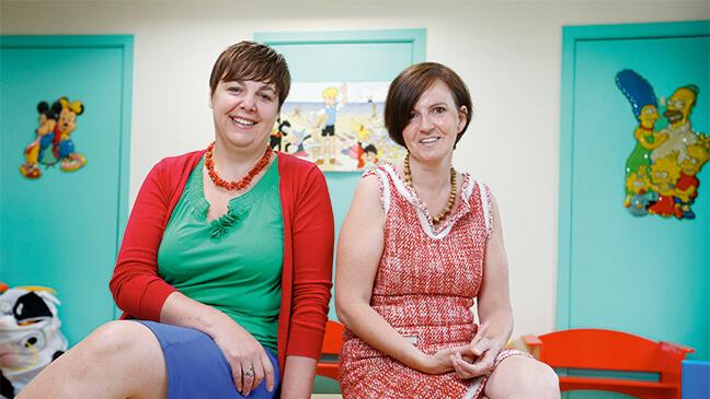 Foto van de twee vrouwelijke specialisten 'crisis op school'