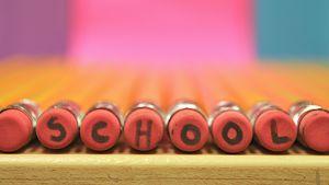Potloden met letters van SCHOOL