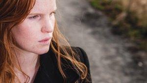 close-up van roodharig meisje