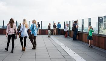 Uitkijk op het dak van MAS | Museum aan de stroom