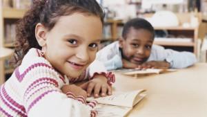 vluchtelingenkinderen in de klas