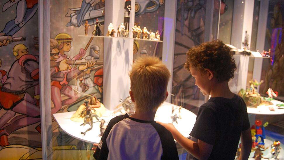Kinderen in het speeldgoedmuseum