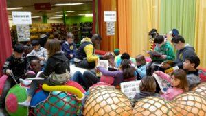 Klas op bezoek in bibliotheek Kortrijk