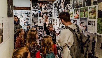 klasgroep in museum