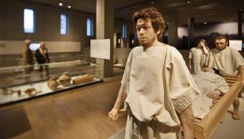Romeinse in gewone klederdracht - Gallo-Romeins Museum (Tongeren)