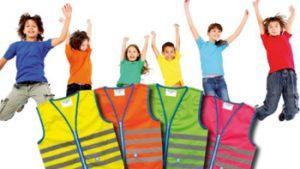 Springende kinderen met fluovestje