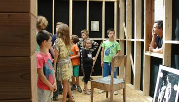 Kinderen in museum