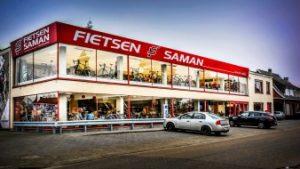 voorgevel fietswinkel Saman