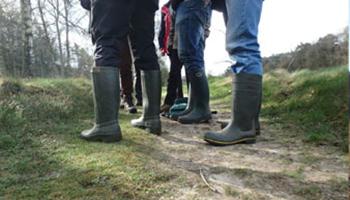 benen van wandelaars