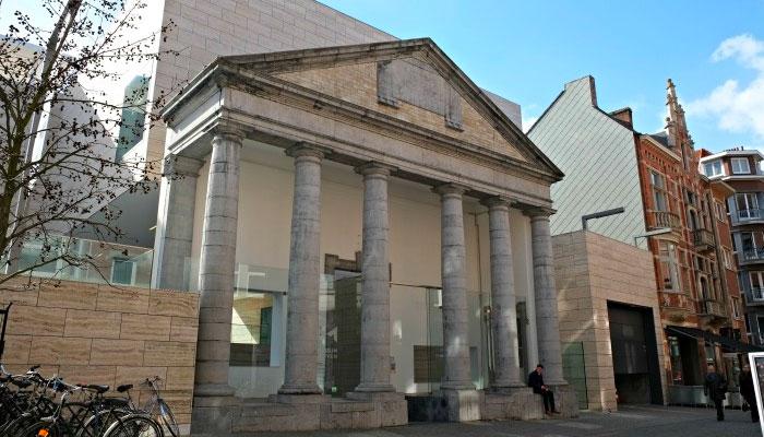 Voorgevel M-Museum Leuven