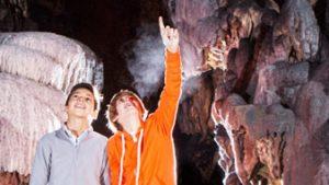 kinderen in grot