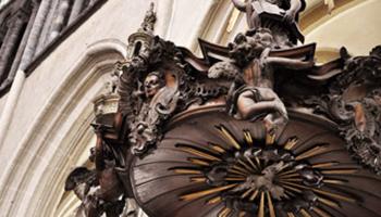 Close up historische kerk versiering