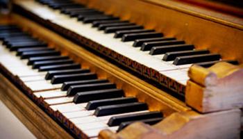 Close up houten piano
