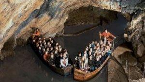 bootjes in grotten van Remouchamps