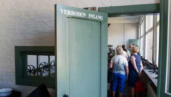 Bezoekers in het Kempens Diamantcentrum