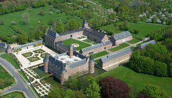 luchtfoto van domein Alden Biesen