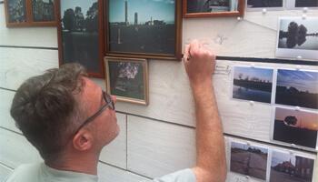 Sam Vanoverschelde werkt de expo mytisch landschap af