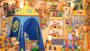 interieur van speelgoedwinkel