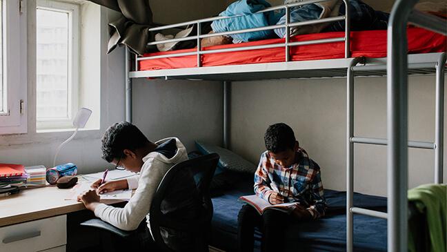 2 jongens delen een kamer