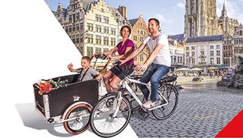 Gezin met kind in bakfiets van Belgocycle