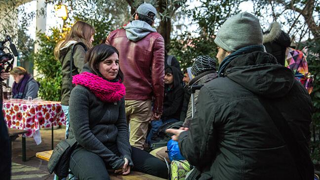 Ann Aeyels bij een vluchteling tijdens de inleefreis