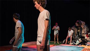 beeld uit de theatervoorstelling Hoon