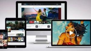 Digitale toestellen tonen films en catalogus van UniversCine
