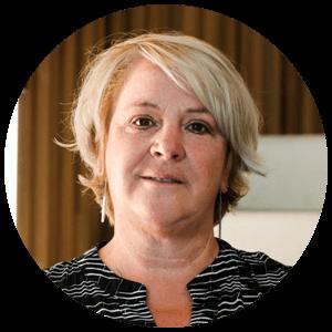 secretariaatsmedewerker van Klasse, Ann Nevens