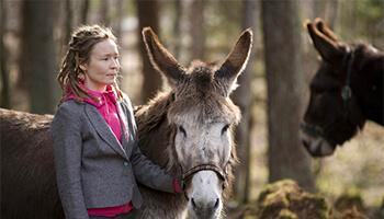 vrouw met een ezel