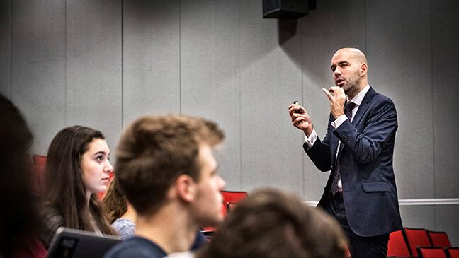 Frederik Anseel over leiderschap bij directeuren