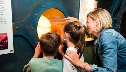 kinderen op bezoek in Seafront