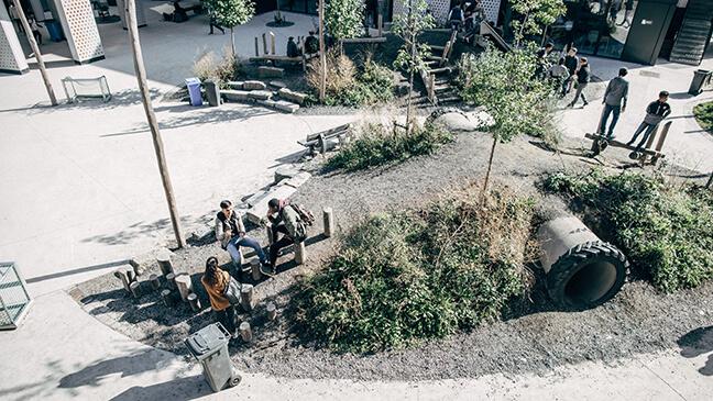 de nieuwe speelplaats van het Lutgardiscollege in Oudergem