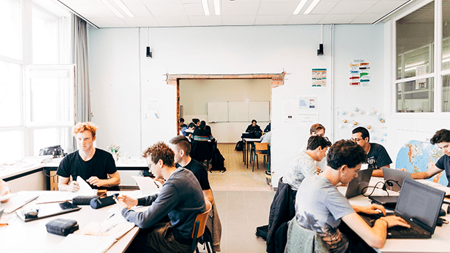 vakoverschrijdend lesgeven in nieuw klaslokaal