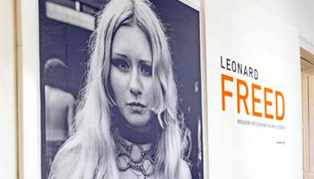 foto uit de expo over 'Leonard Freed'