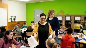Sophie Haemels en Inez Belmans geven samen les in de 1 ste graad