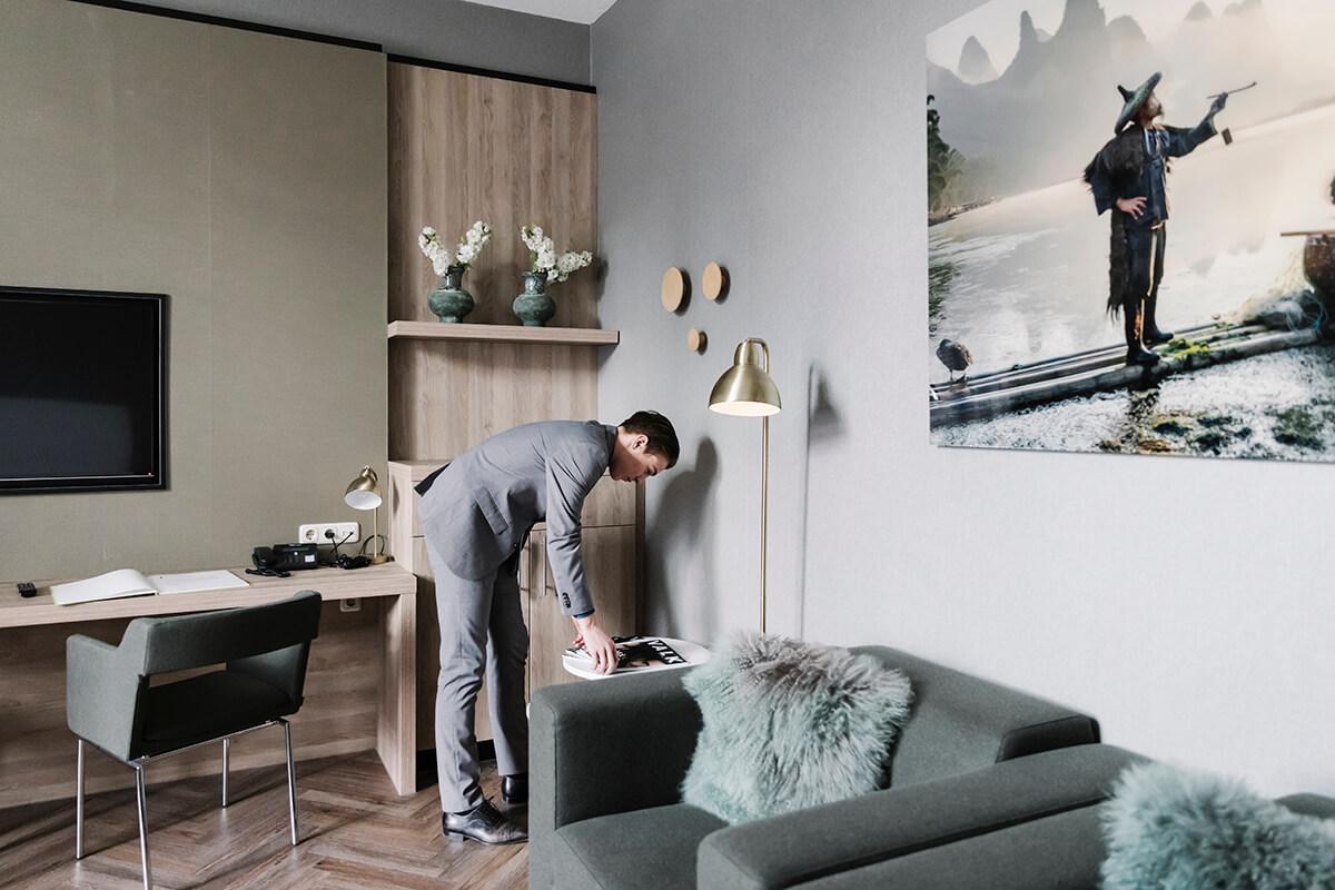 Leerlingen draaien shiften tussen 6.45 en 23.15 uur in het hotel of een van de 5 restaurants, ook tijdens de meeste vakanties.