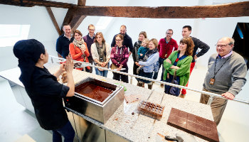 demonstratie van hoe je chocolade verwerkt