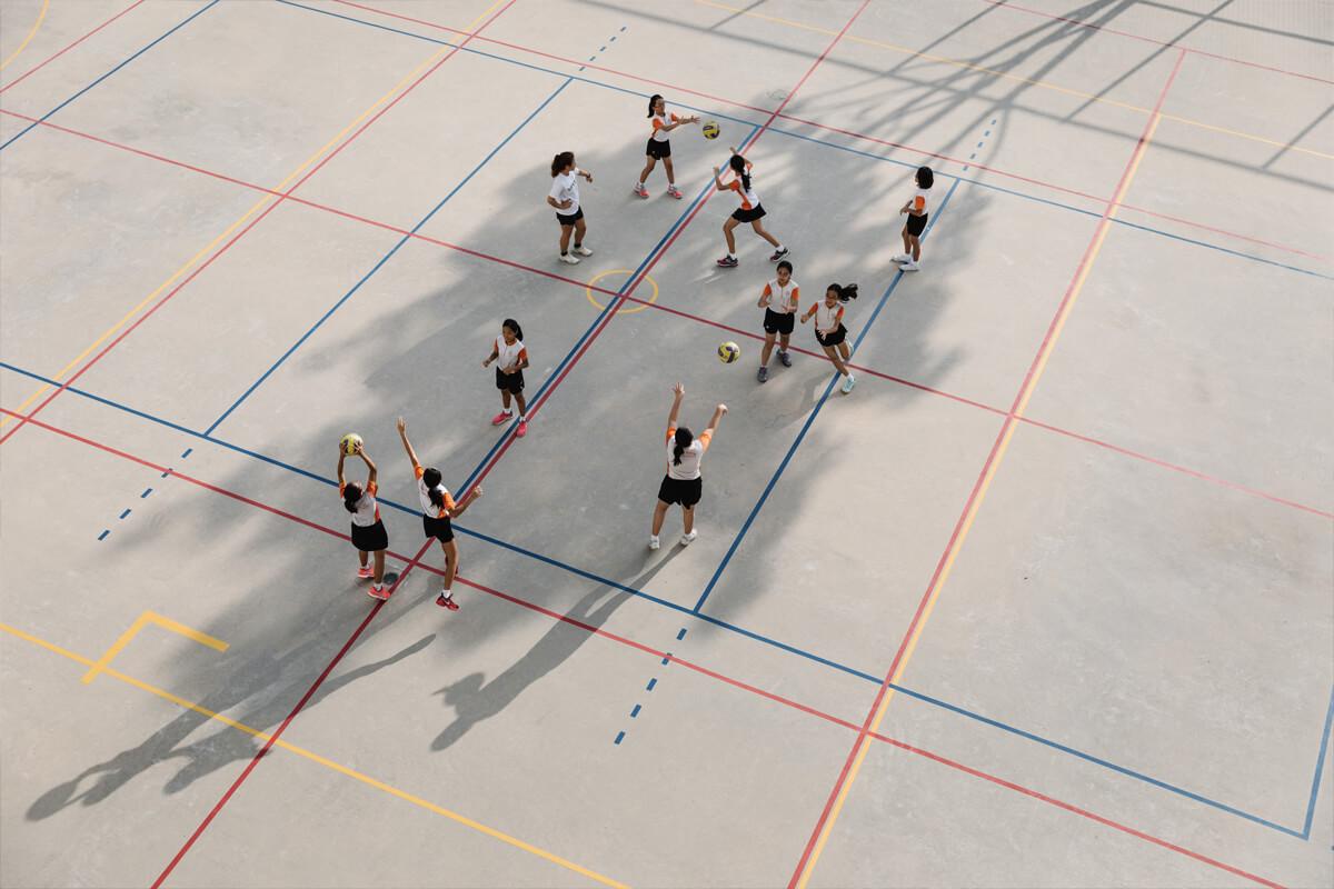 Scholen in Singapore bieden recreatieve activiteiten aan.