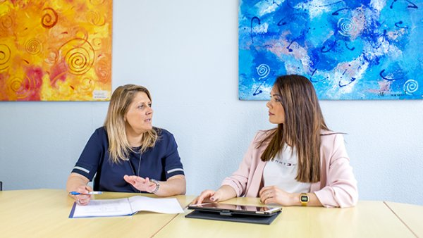 Leraren Jolie en Katelijne bij de loopbaancoach