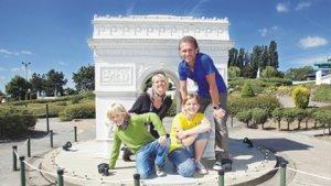 gezin in mini Europa