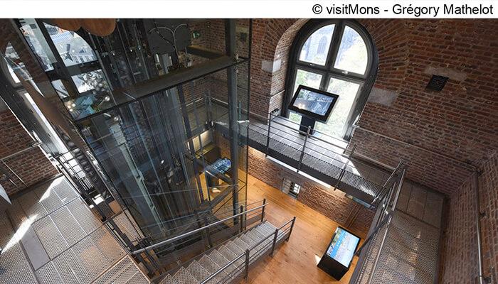 binnenkant van het belfort in Mons