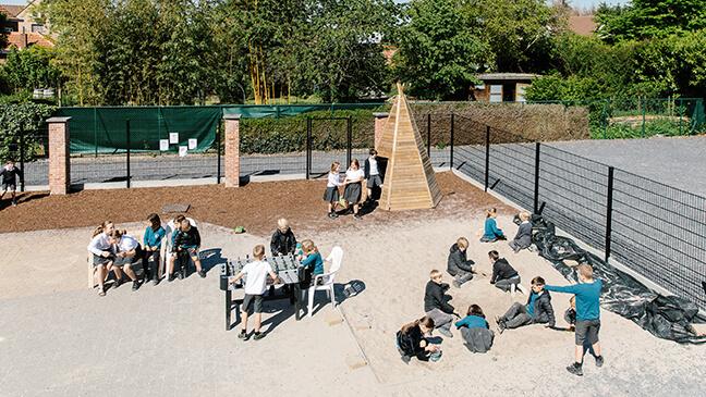 speelplaats van de basisschool Mondomio