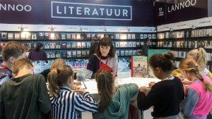 klasbezoek aan boekenbeurs