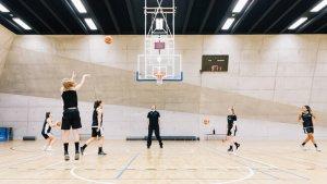 Basketwedstrijd topsportschool