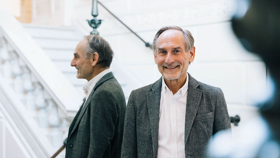 Professor Ferre Laevers, directeur van het Centrum voor Ervaringsgericht Onderwijs (CEGO) van de KULeuven doet al sinds de jaren 70 onderzoek naar ondernemingszin bij leerlingen.
