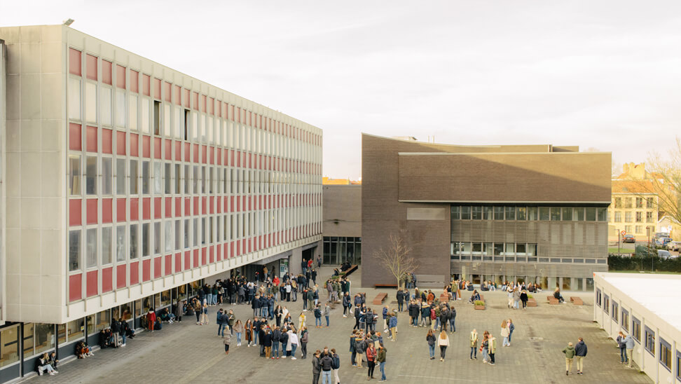 Speelplaats van het Sint-Lodewijkscollege in Brugge