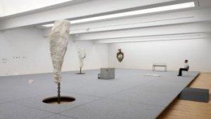 werk van Richard Venlet in SMAK Gent