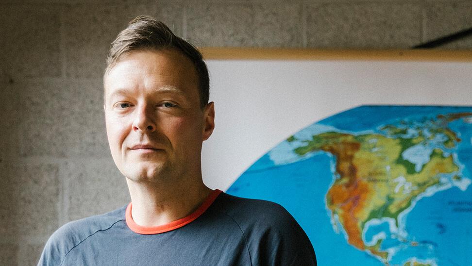 Onderwijswetenschapper Tim Surma (Thomas More Hogeschool). Maar hij pleit in coronatijden ook voor realisme.