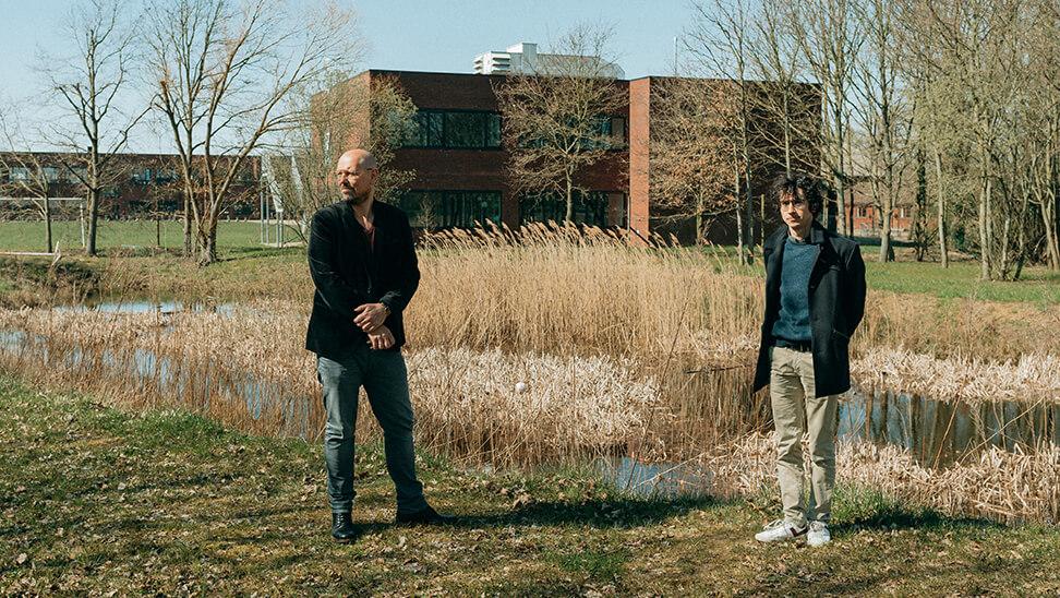 Directeurs Bart Deroeck en Mattias Paglialunga doen hun aanpak rond afstandsonderwijs uit de doeken.