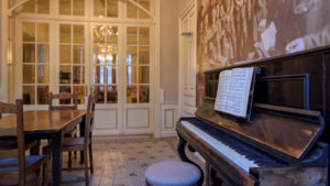 Oude piano in Talbot house